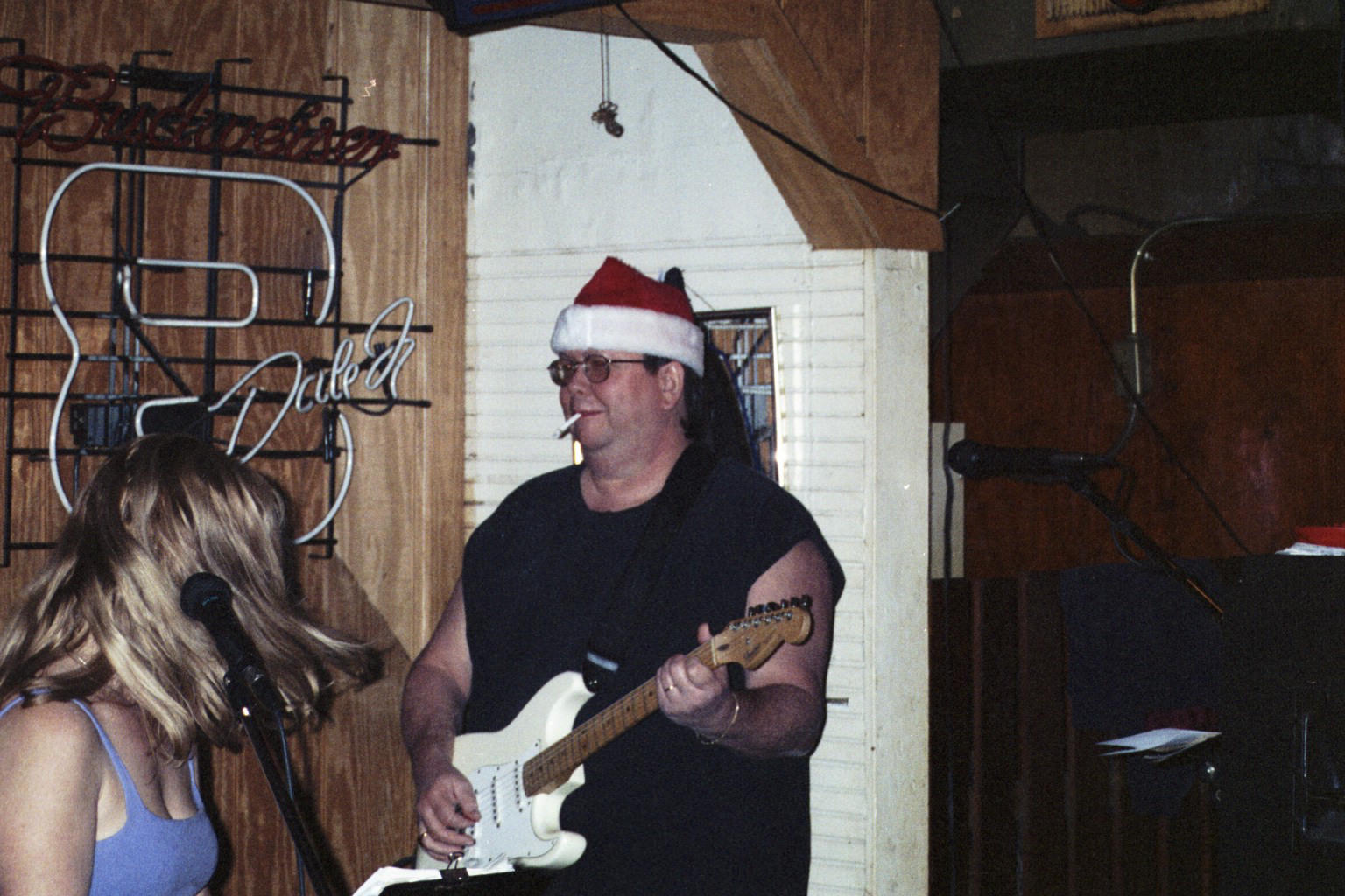 Big Daddy  with xmas hat.jpg (227703 bytes)