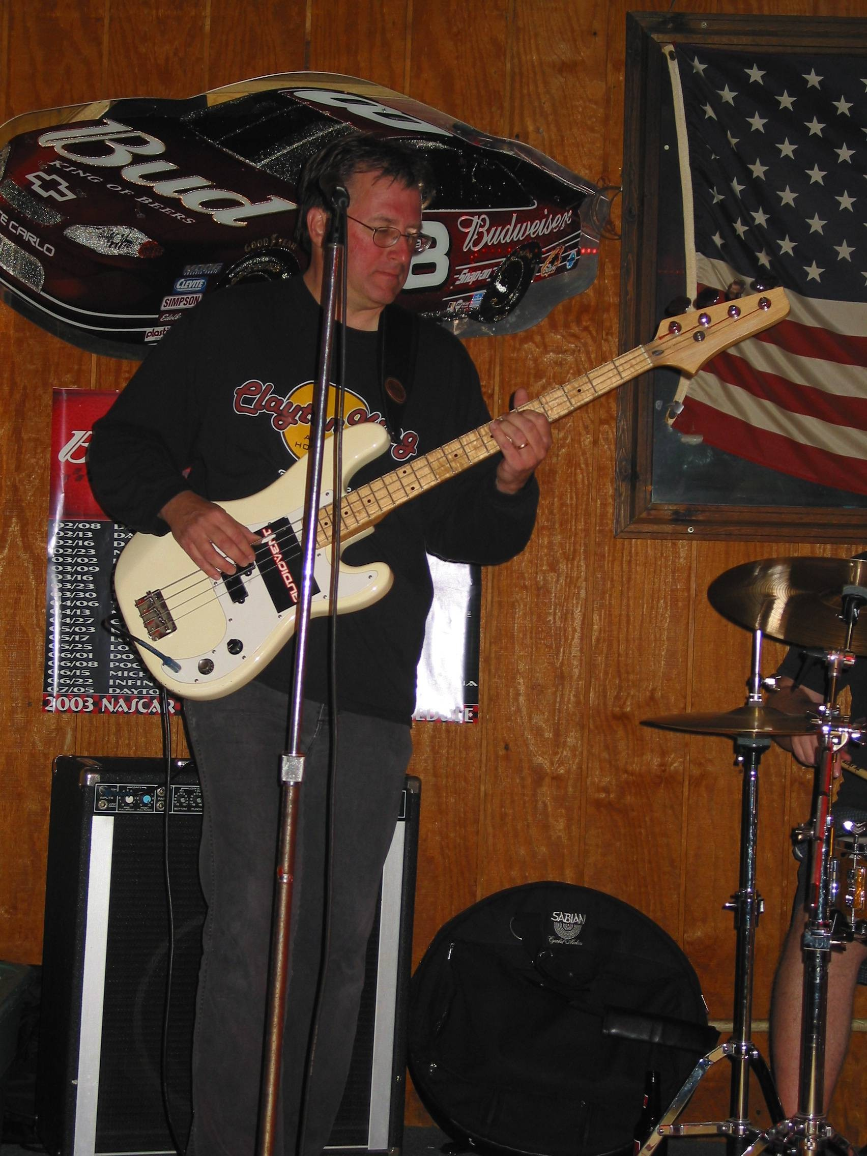 Bill on bass.jpg (583249 bytes)