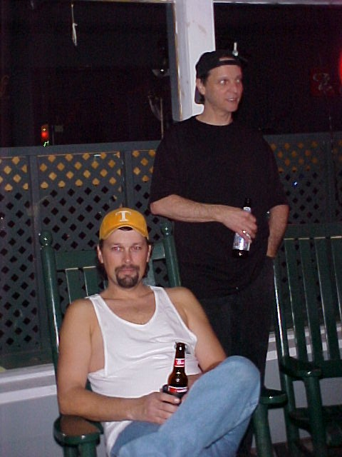 john and billy hangin.jpg (65484 bytes)